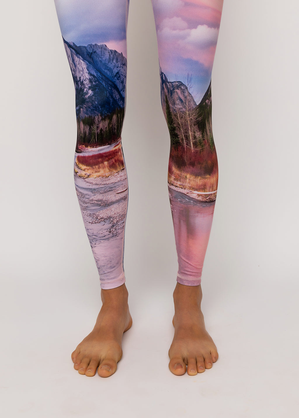 "Run wild tights in ""Wilderness"" print"