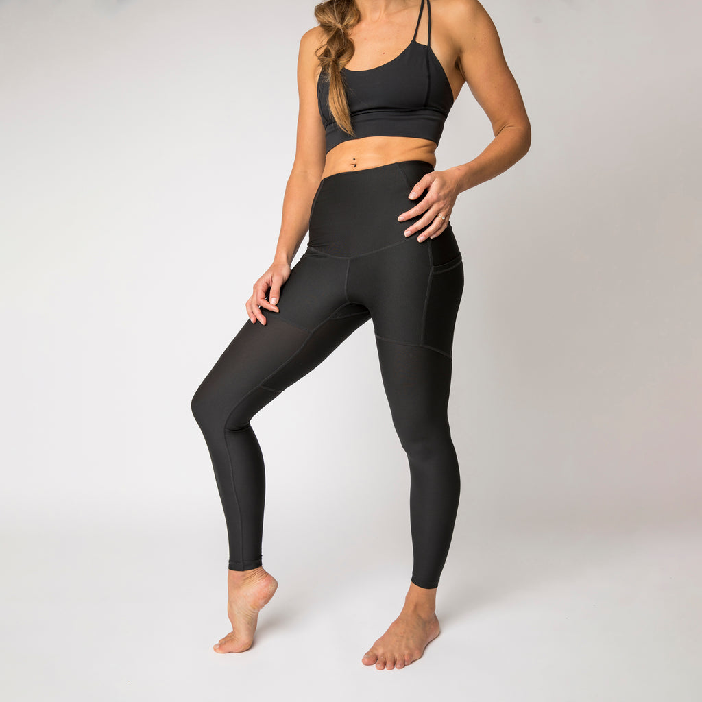 "Pack-light tights in ""Pitch Black"""