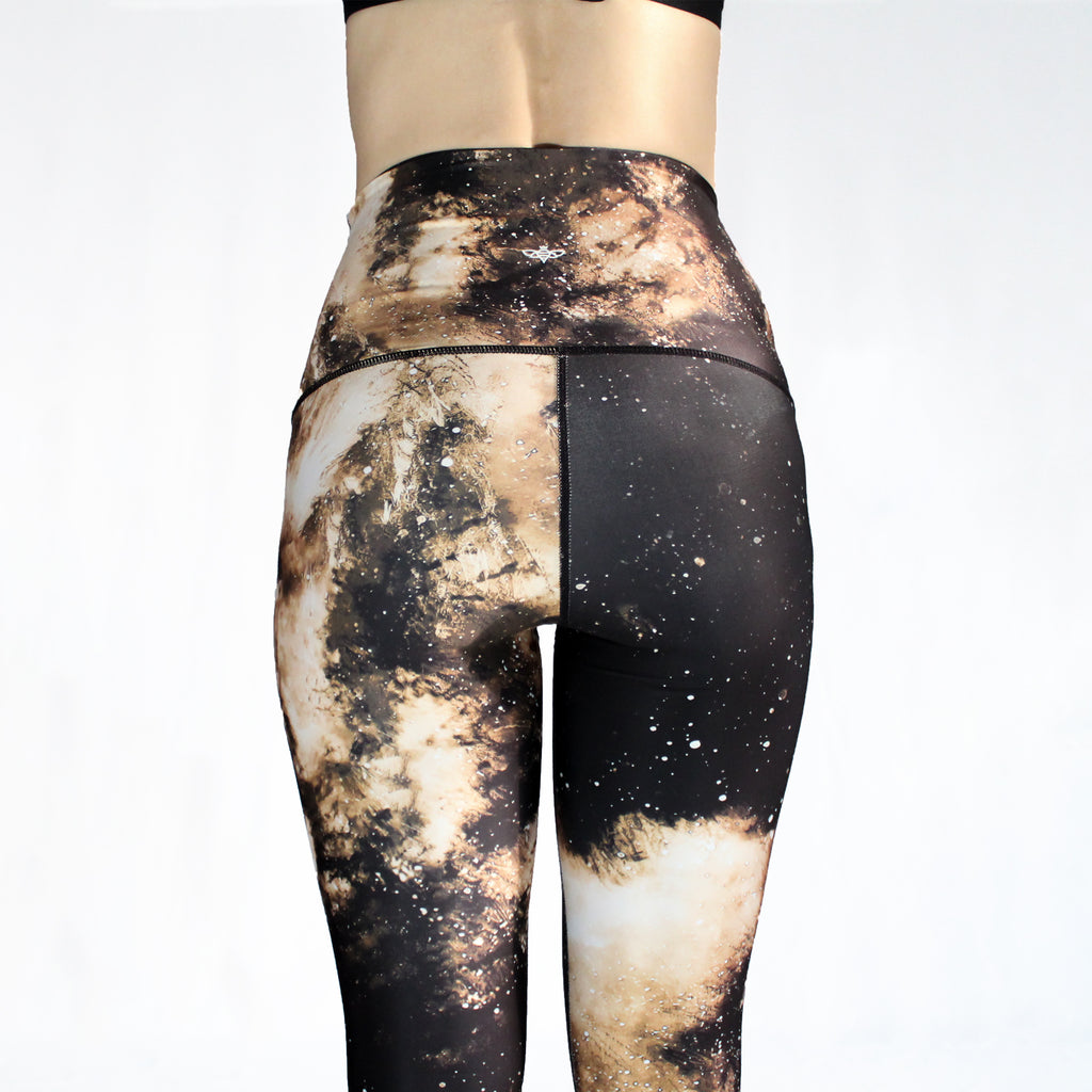 DECEMBER - The Wonder Wolf Leggings - Sold Out