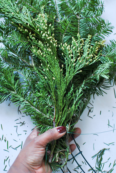 How to Make a Christmas Wreath DIY
