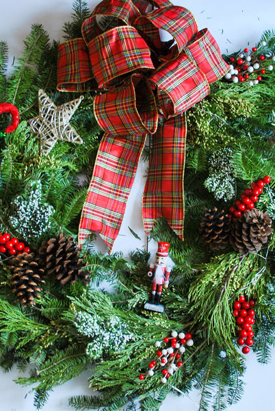 How to Make a Christmas Wreath from Scratch DIY