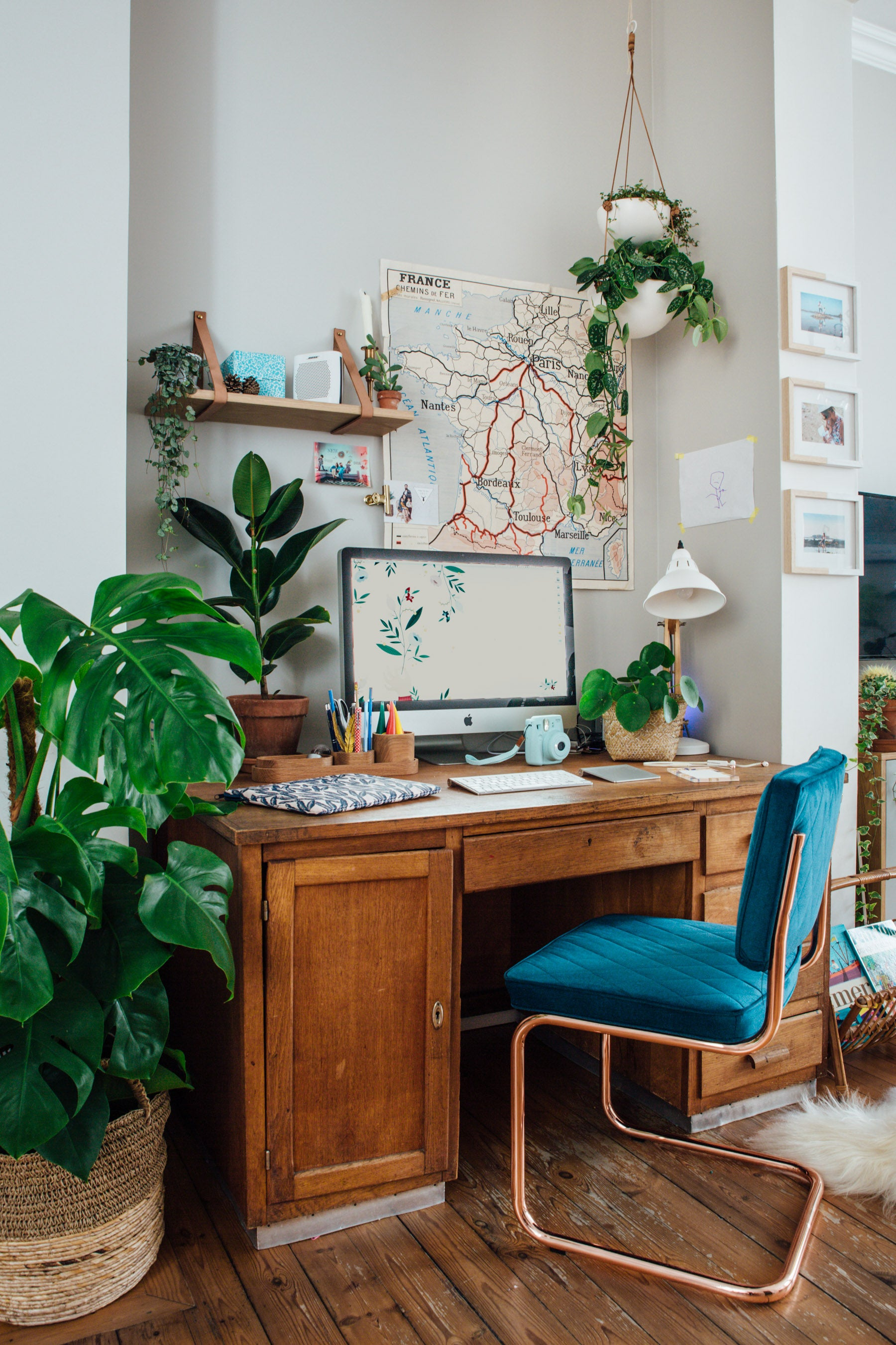 How to Create a Workspace at Home - Design School Sunday