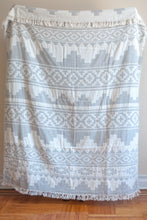 Load image into Gallery viewer, kilim wool throw in light gray