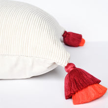 Load image into Gallery viewer, handmade peruvian pillow with double tassel