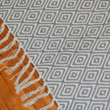 Load image into Gallery viewer, gray meraki home accents handmade rug with geometric design