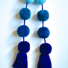 Load image into Gallery viewer, Blue Ombre Pom Pom