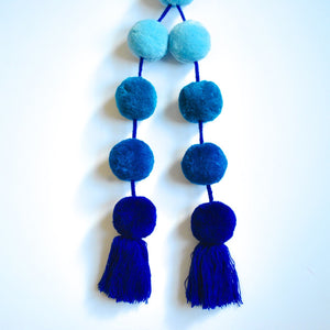Decorative Purse Pom pom in ombre blue