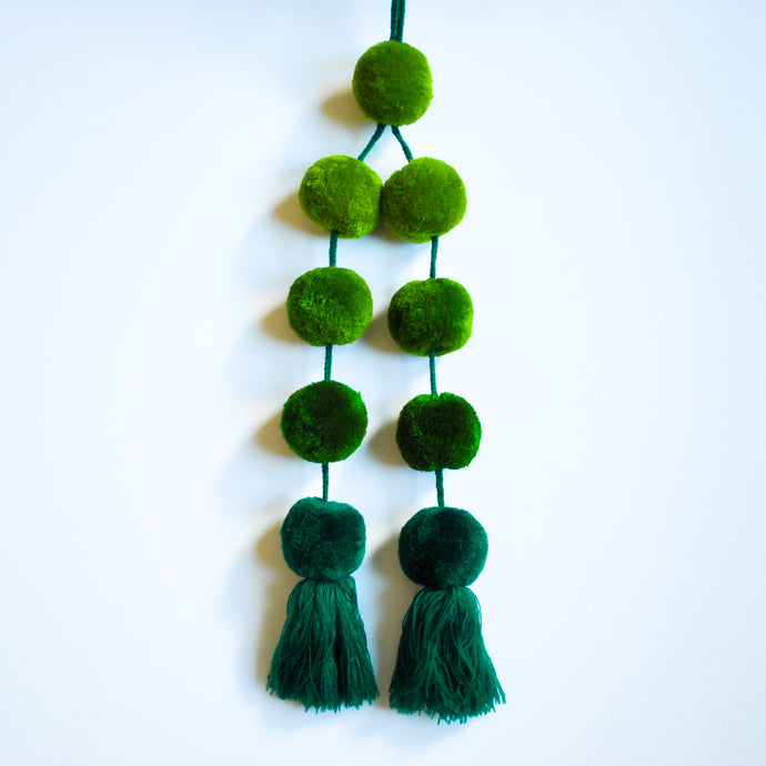 Handbag pom pom in ombre green