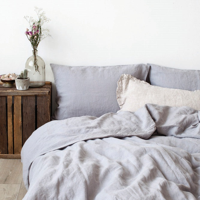 Duvet Cover and Pillow Bedding Set in Light Grey