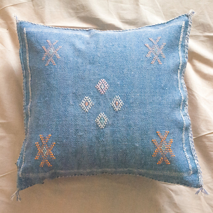 MOROCCAN SILK PILLOW IN BLUE