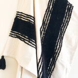 tufted accent throw blanket in black and white