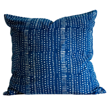 "Load image into Gallery viewer, Indigo blue pillow with white pattern 24""x24"""