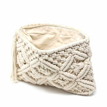 Load image into Gallery viewer, Macrame Clutch with Tassel, Cream