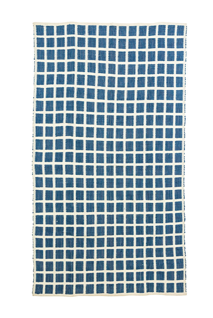 blue-checked-accent-area-rug