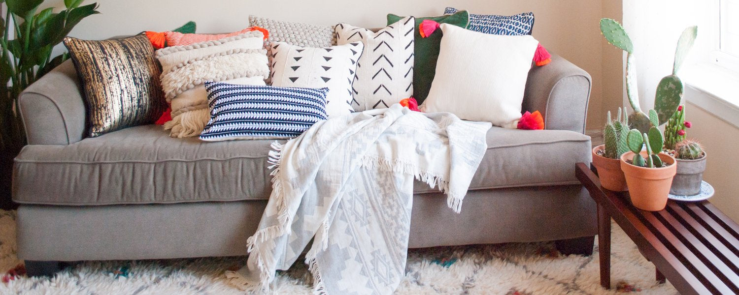 Accent-Pillows-Throws