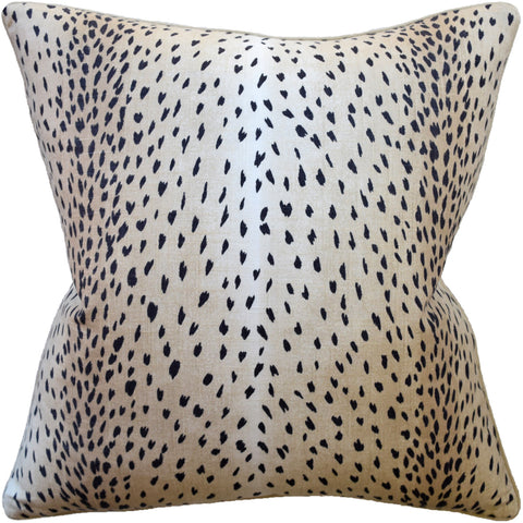 Doe Decrotive Pillow - Black