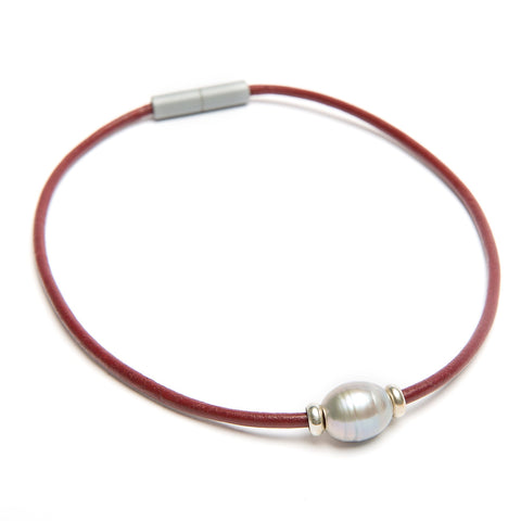 Gray natural pearl choker necklace on leather with magnet clasp by Landella jewelry of Tulsa