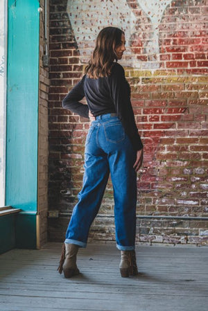 Mid-Wash Relaxed Mom Jean - The Tillie Rose Boutique