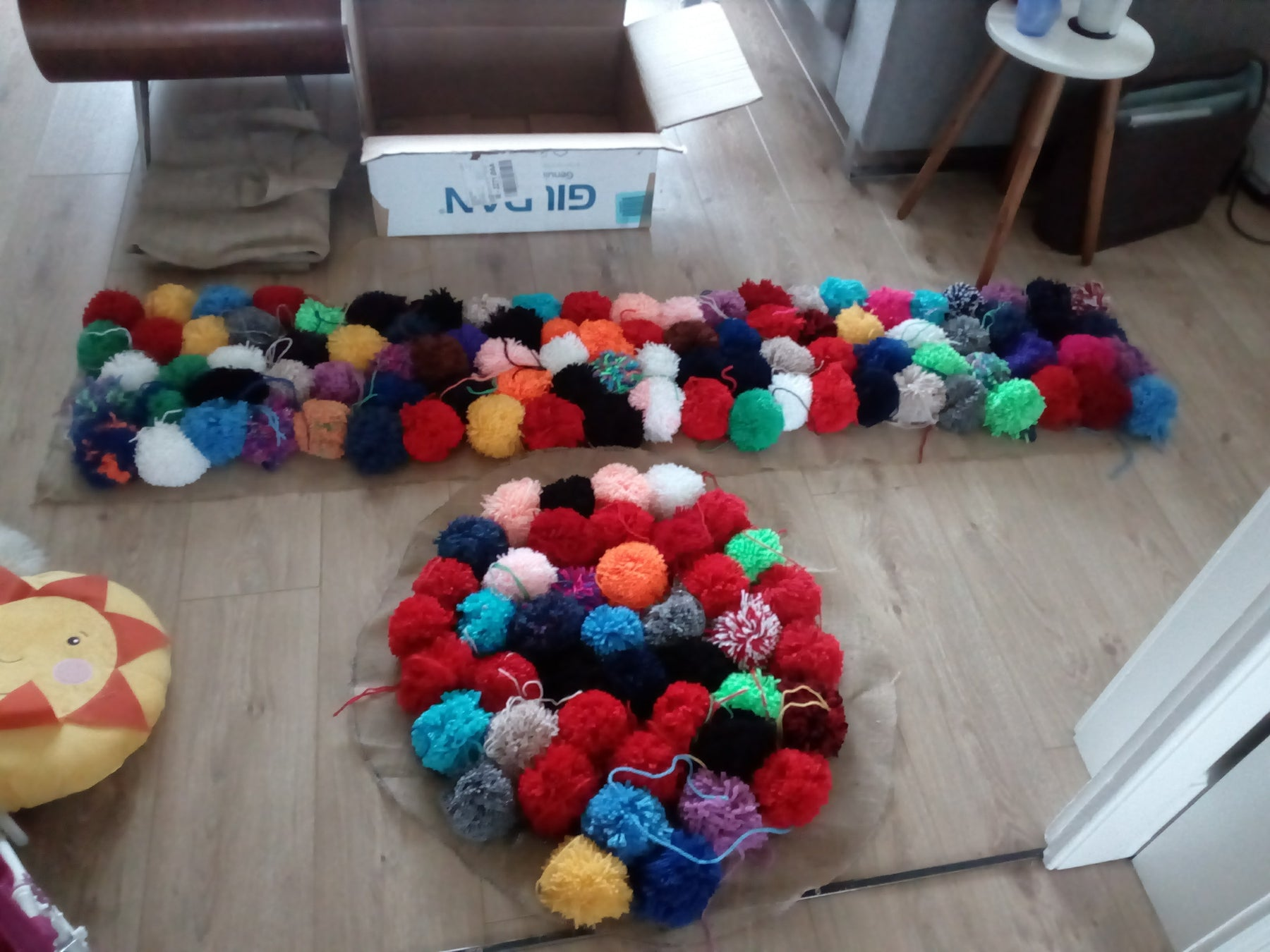 Step-bystep guide for the pom pom chair project