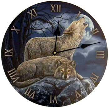 2 Wolves Clock