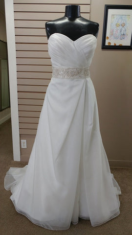 Casablanca Bridal Wedding Dress Style A032