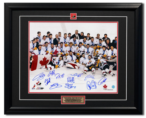 2002 TEAM CANADA 11 PLAYER TEAM SIGNED OLYMPIC HOCKEY GOLD MEDAL 25X31 FRAME