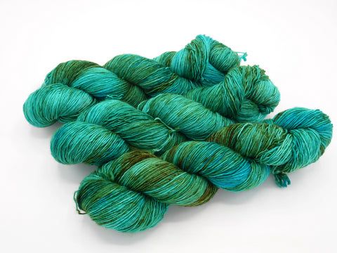 Seas the Day, Hand Dyed Yarn - Merino Single - In Stock