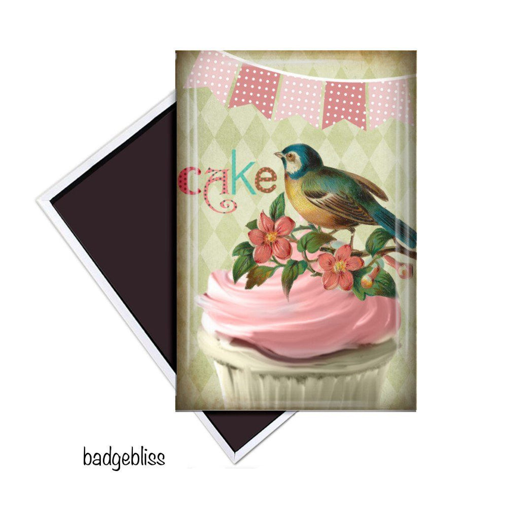 Cake fridge magnet - Badge Bliss