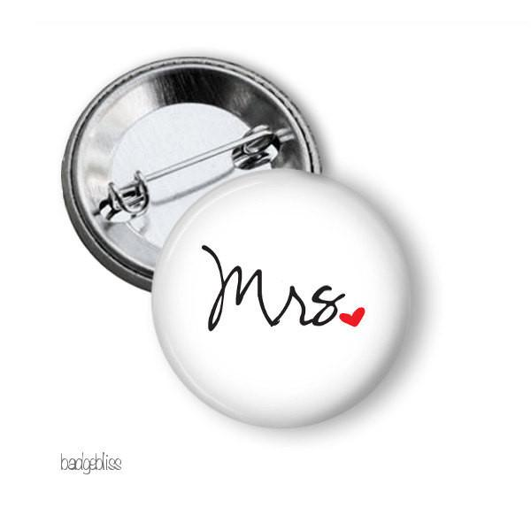 Mr or Mrs hen party button badge