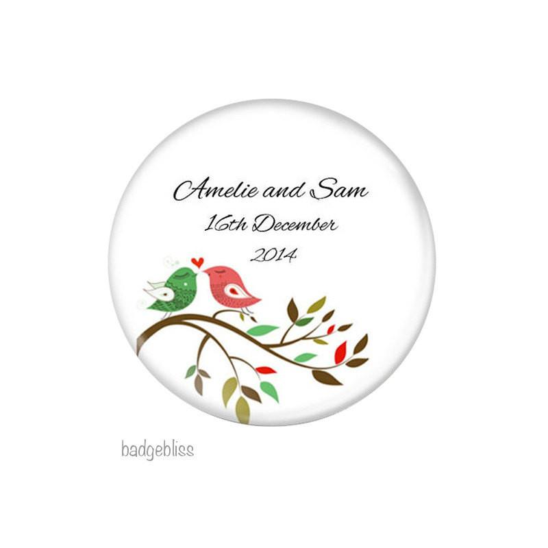 Wedding favor magnet Red and Green birds - Badge Bliss
