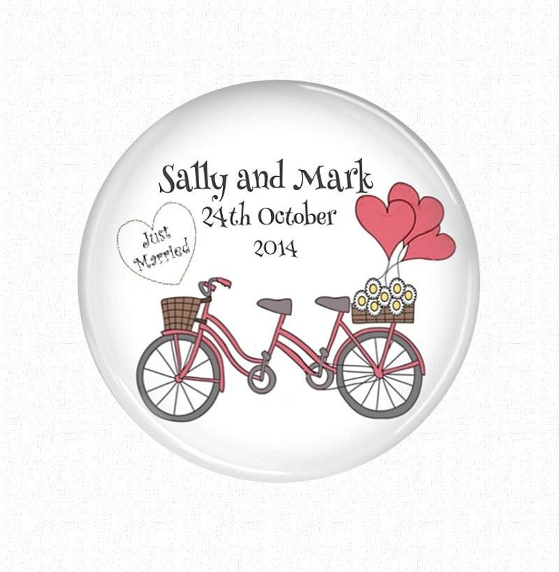 Wedding favor magnet - badge-bliss
