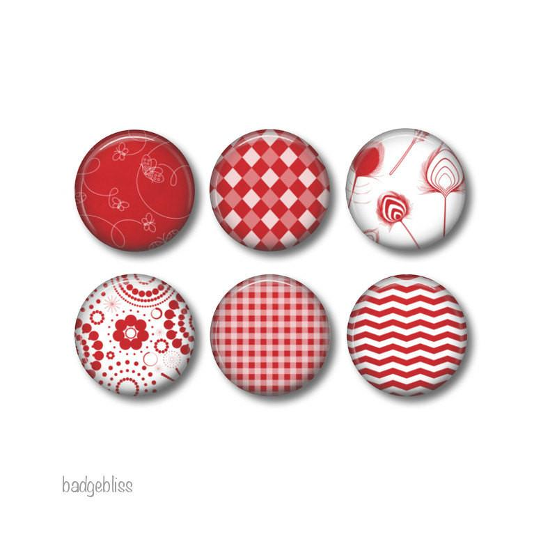 Red button badges or fridge magnets - badge-bliss