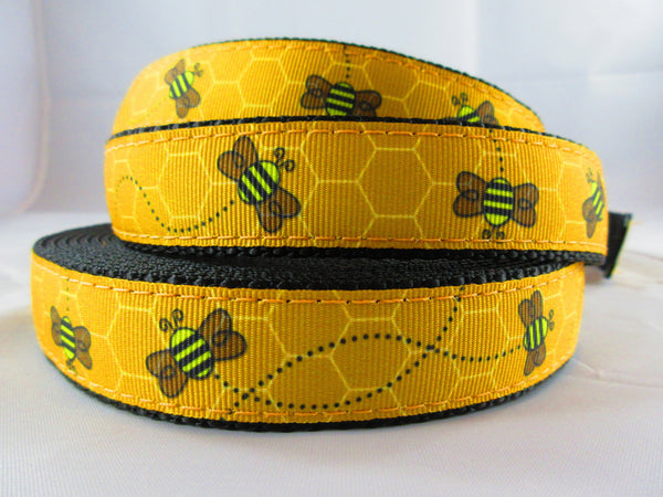 "1"" Busy Bee Dog Collar - Penny and Hoover's Pig Pen"
