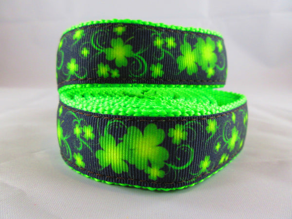"3/4"" Clovers in the Wind Dog Collar - Penny and Hoover's Pig Pen"