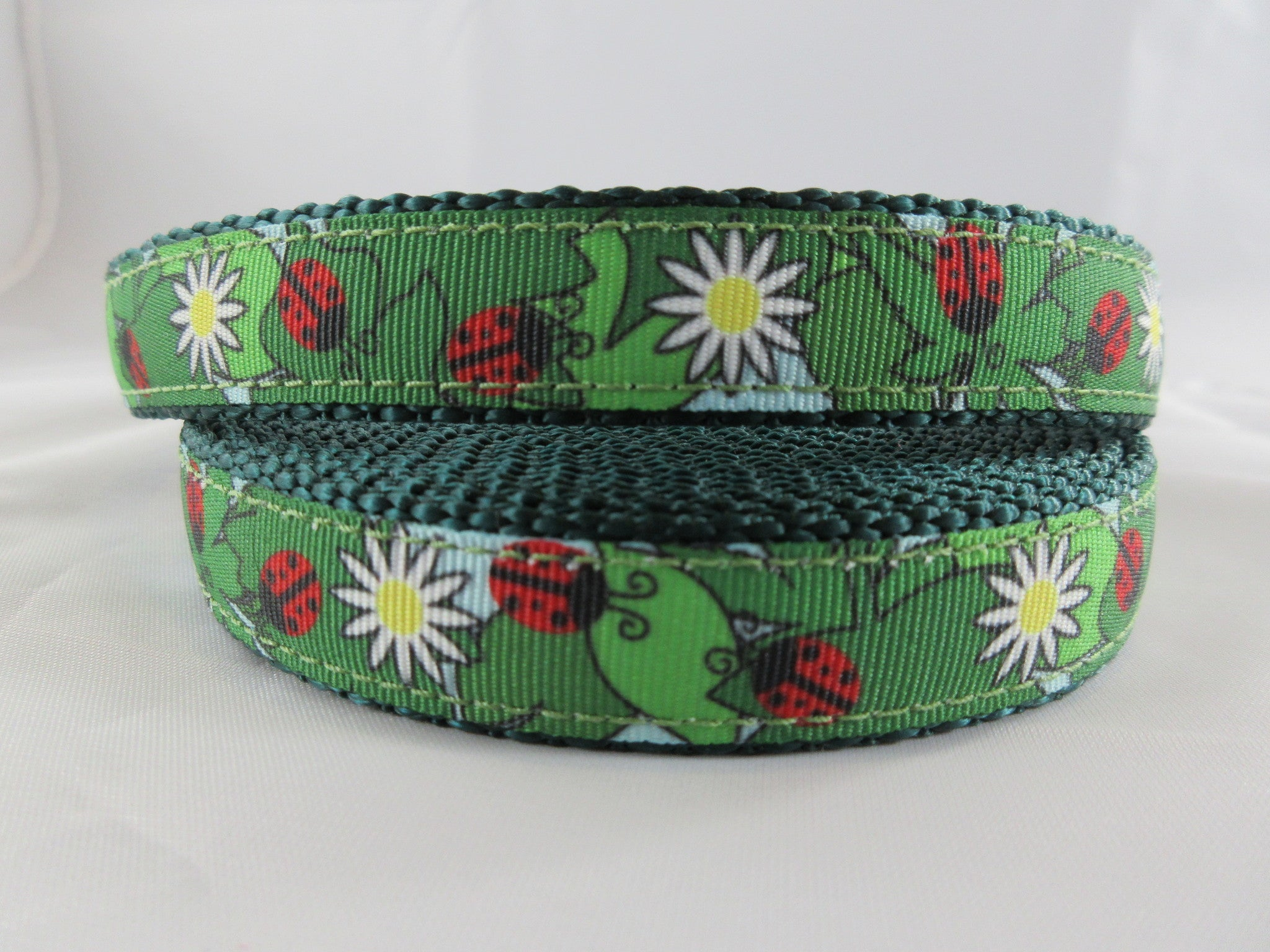 "3/4"" Lady Bug Picnic Dog Collar - Penny and Hoover's Pig Pen"