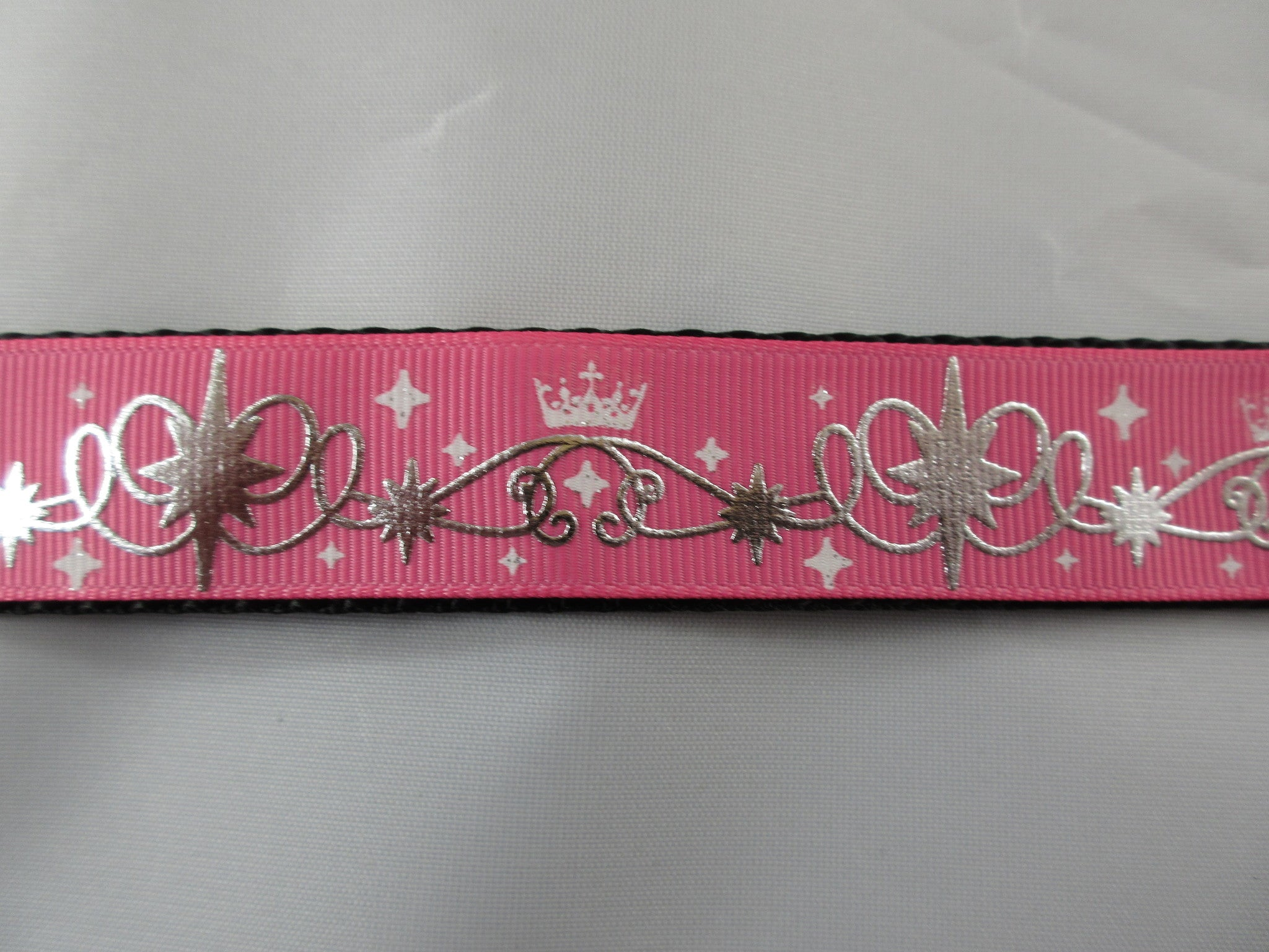 "1"" Pink Tiara Swirls Leash - Penny and Hoover's Pig Pen"