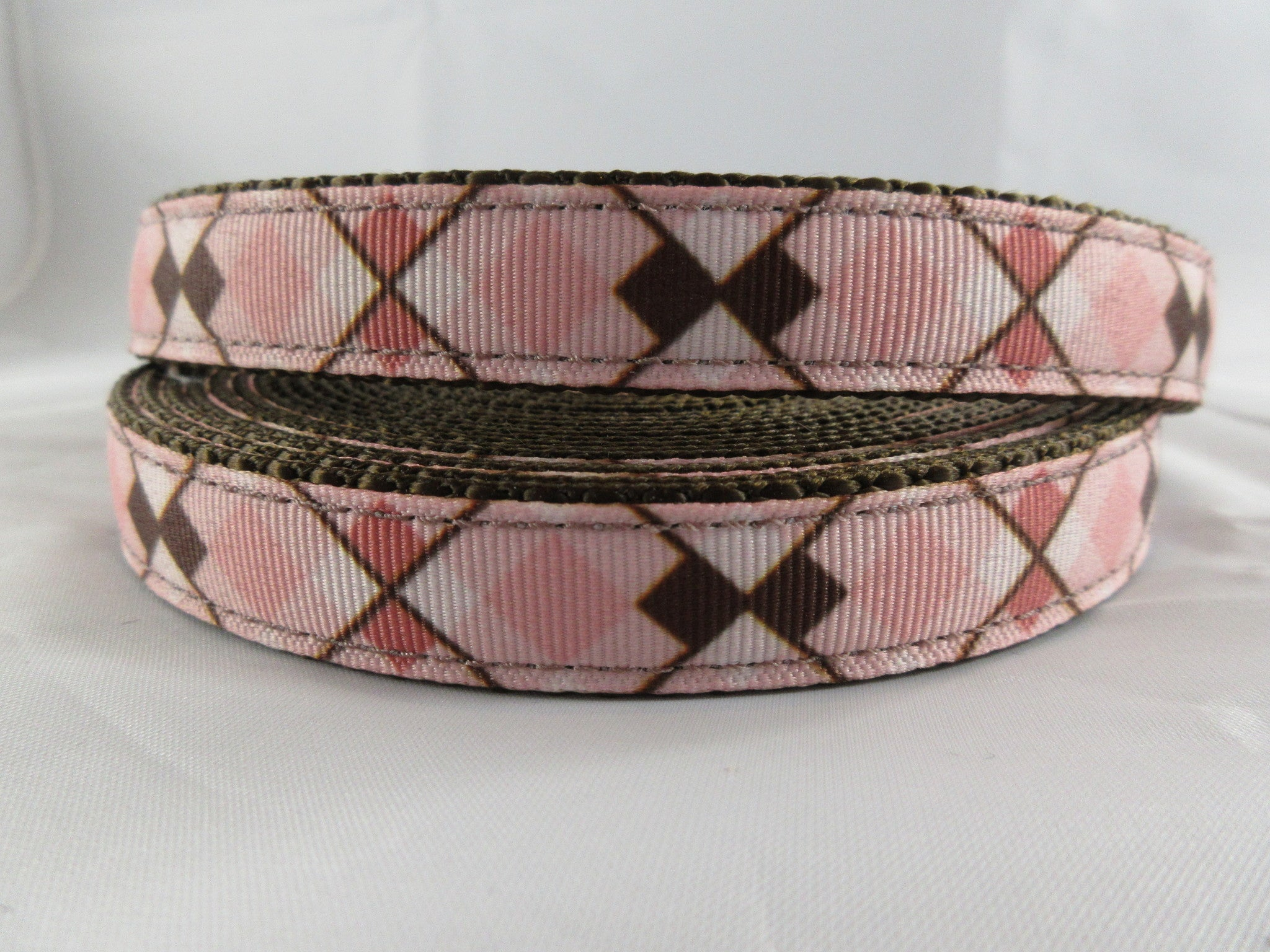 "3/4"" Pink and Brown Argyle Leash - Penny and Hoover's Pig Pen"