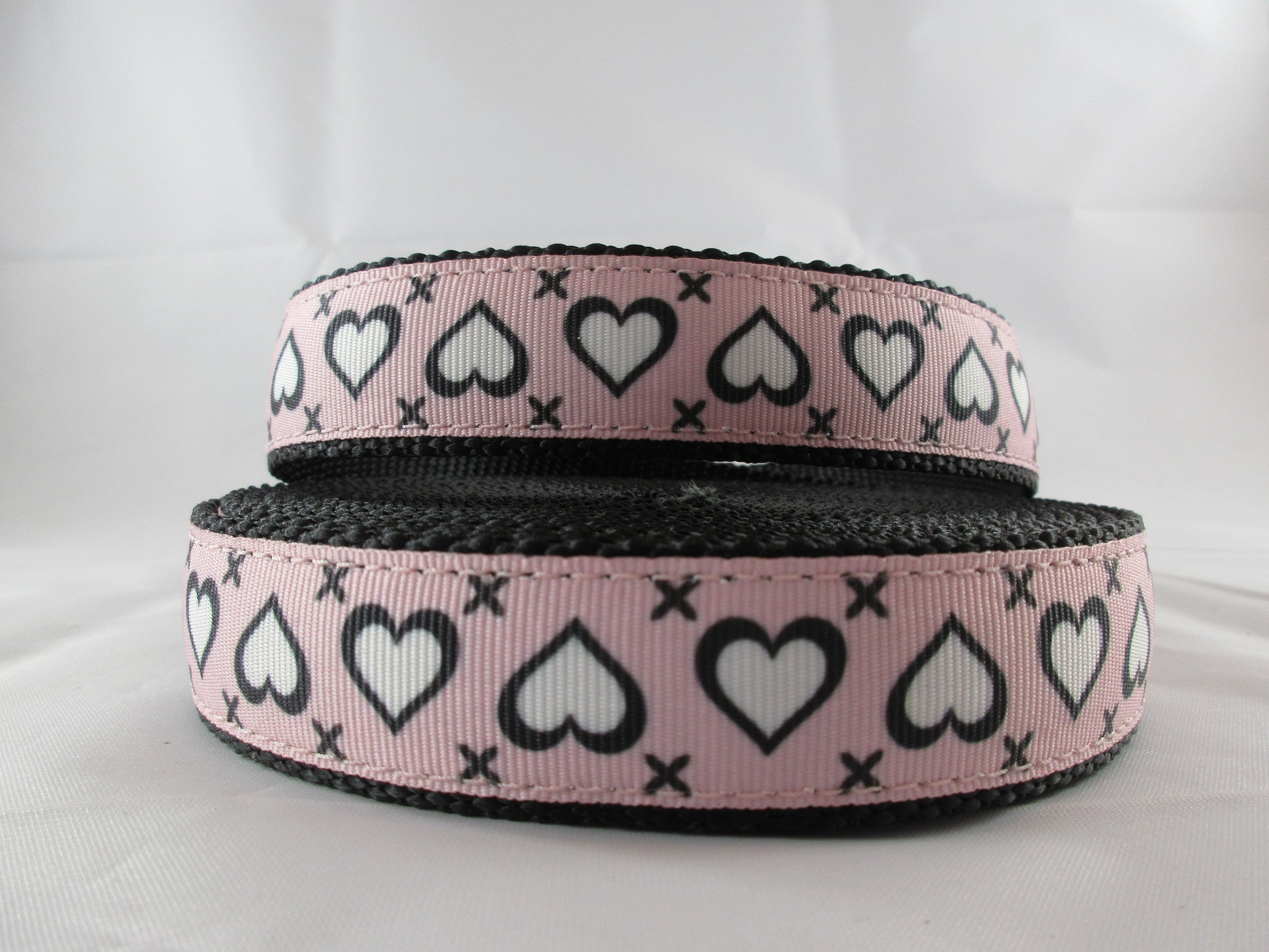 "1"" Stitched Hearts Pig Harness - Penny and Hoover's Pig Pen"