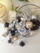 100pc Diamonds And Pearl Gem Mix Vase Fillers (Black, Gold Brown, Silver, Clear)