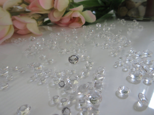 3000 Mixed Size (4.5mm, 6mm, 8mm) Clear Acrylic Diamond Gems, Vase Fillers Table Scatters