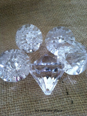 Jumbo Size Clear Acrylic Faceted Diamond Charms With Holes For Wedding Favors/Gifts/Table Decor/Scatters