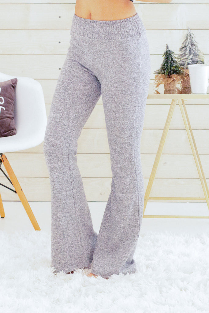 Hem and Thread Fleece Sweatpants in Light Grey