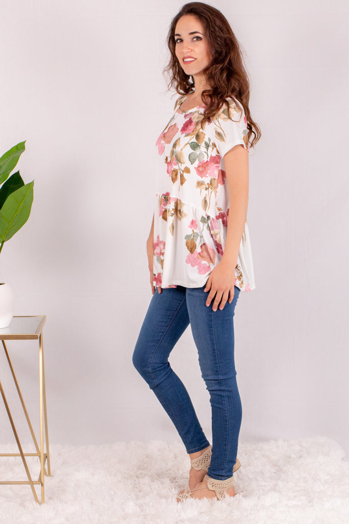 Cream/Floral Short Sleeve Swing Peplum Top with Skinny Jeans Side Left View