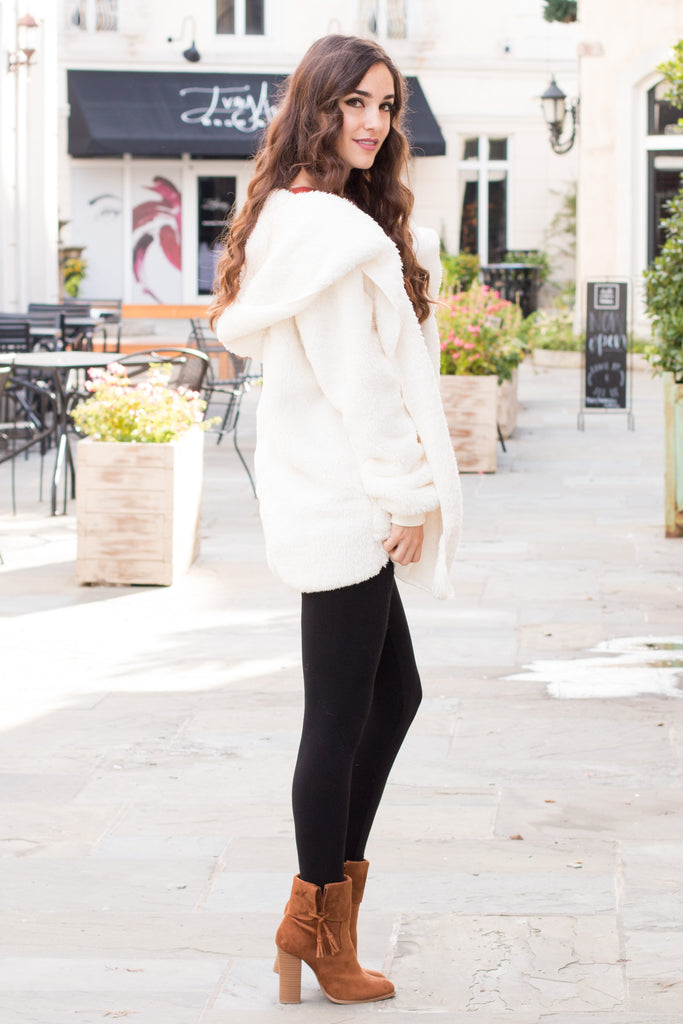 Eesome Teddy Jacket in Off White Fullbody Right Side