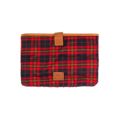 Plaid / Tan 15 inch padded laptop case with will logo patch