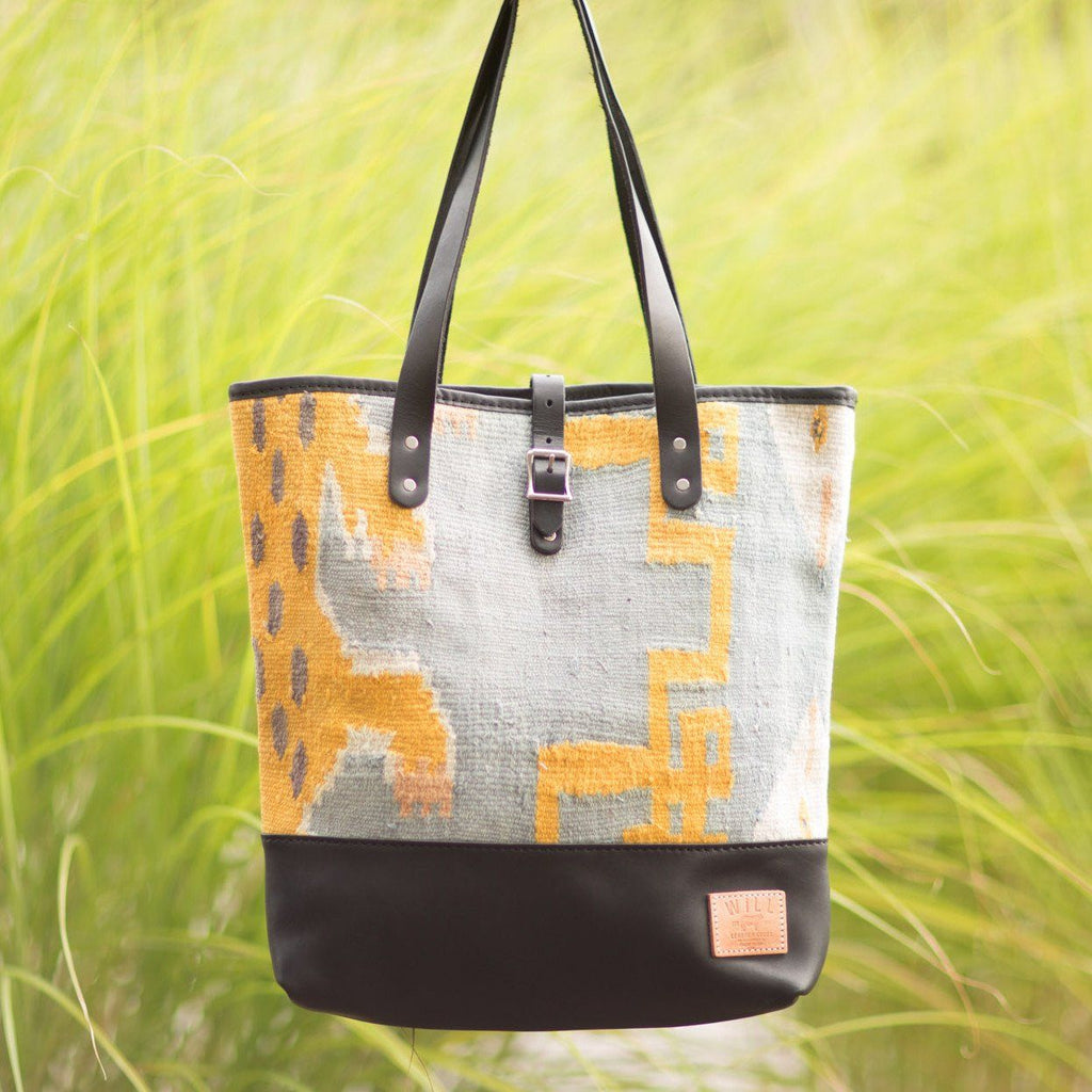 Dhurrie Tote <br><font size=3 color= red> * final sale - 55% off *</font>
