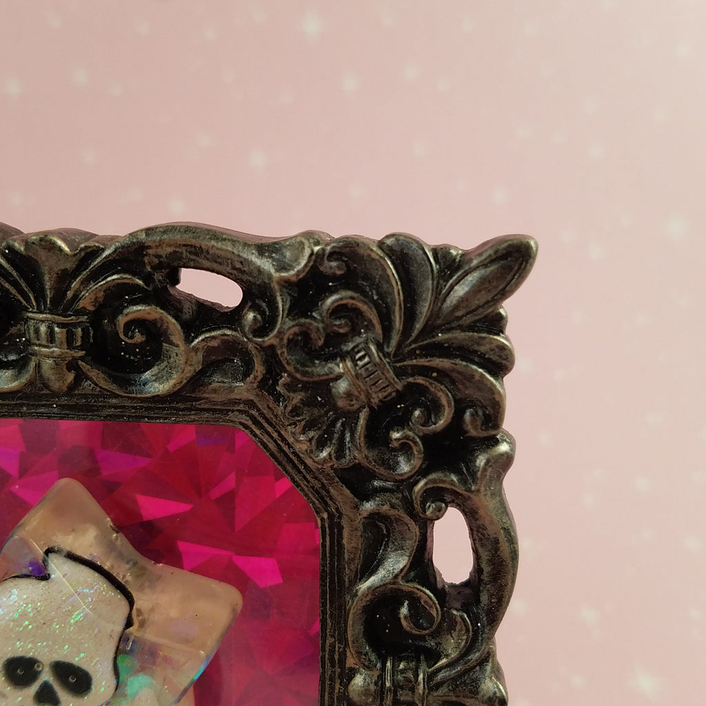 Skull And Crossbones Picture Frame; Skull And Crossbones Picture Frame ...