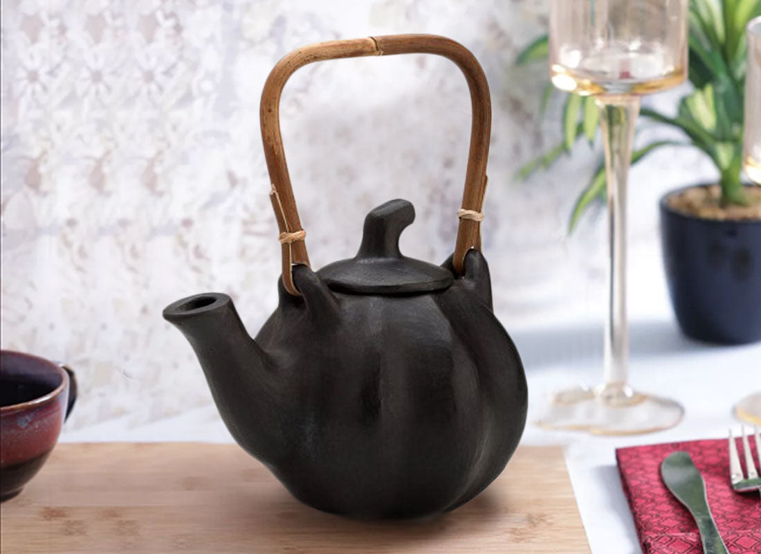 Earthenware Clay Designed Round Tea Pot
