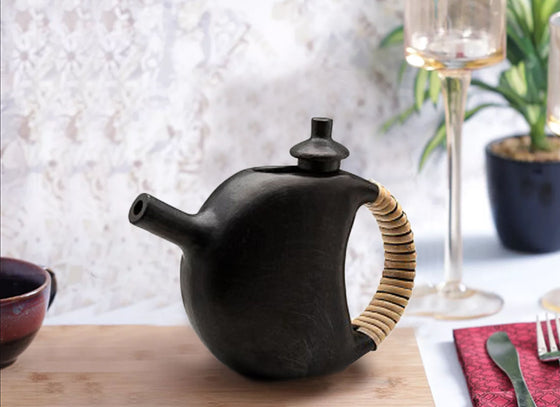 Clay longpi potteryWine kettle with cane Pattern