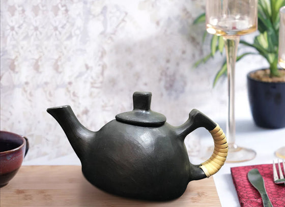 Earthenware clay designed Triangular tea pot